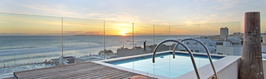 Holiday Accommodation in Bloubergstrand at the beach with Swimming Pools