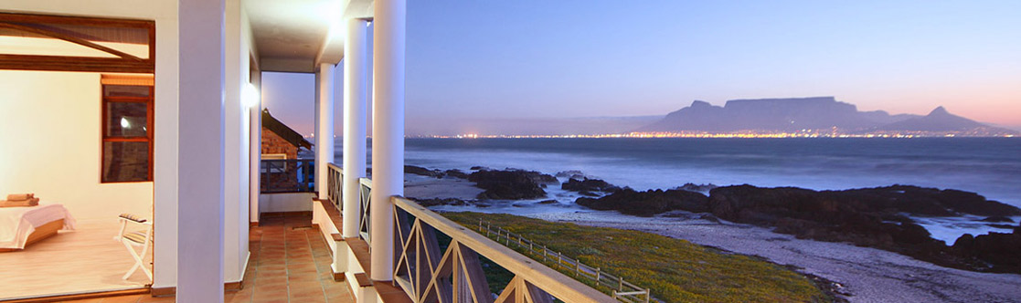 Rent a Holiday Home in Bloubergstrand en enjoy the South African sun including the views of the Ocean and Table Mountain