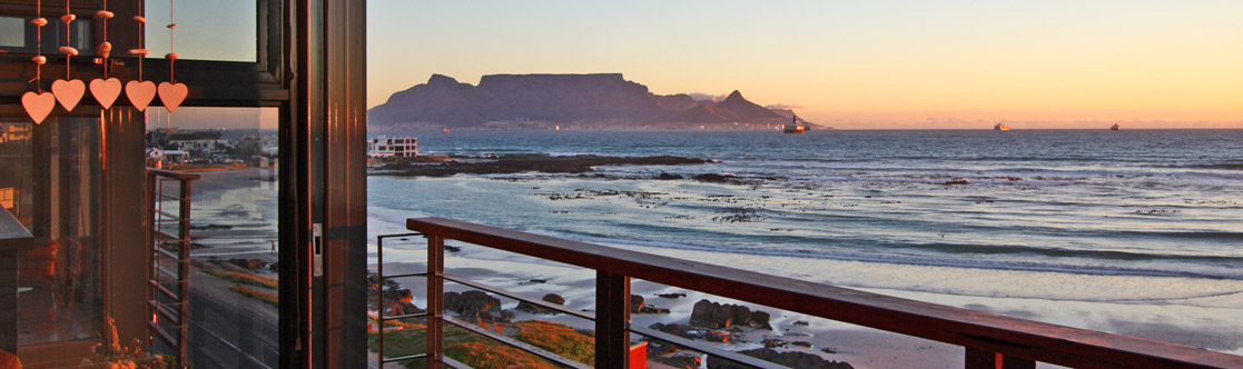 Vacation Accommodation in Bloubergstrand on the West Coast of Cape Town